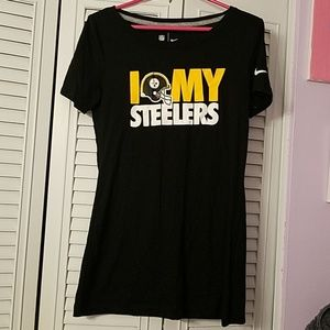 Pittsburgh steelers women's size m. Tee